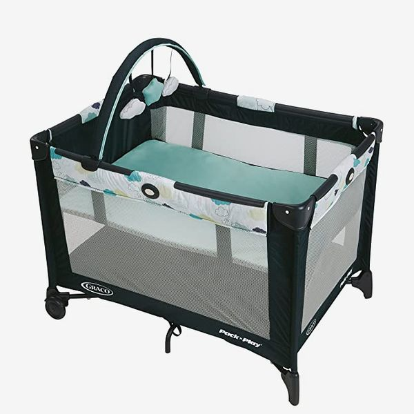 Graco Pack 'n Play Playard with Folding Bassinet