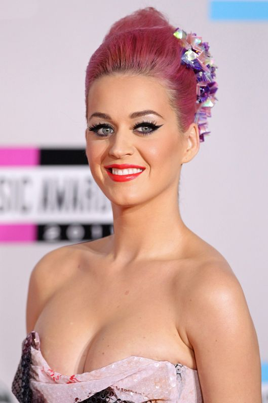 Katy Perry arrives at the 2011 American Music Awards held at Nokia Theatre L.A. LIVE on November 20, 2011 in Los Angeles, California.