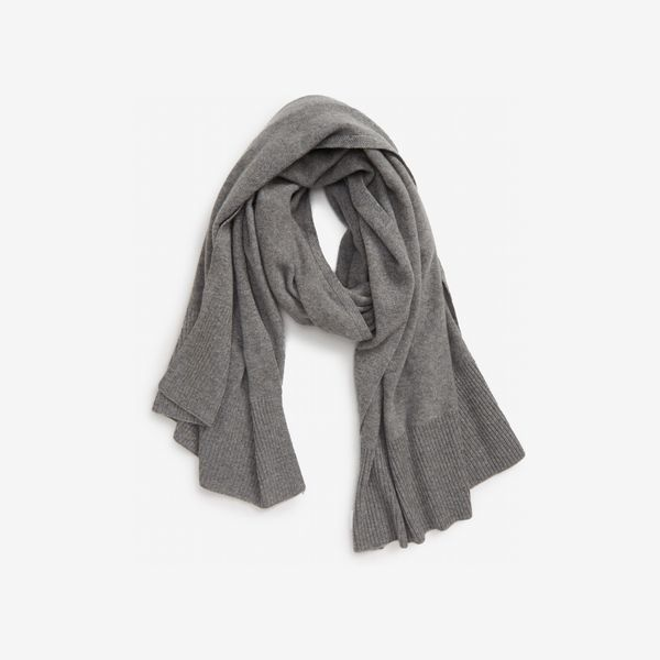 gray halogen cashmere scarf - strategist nordstrom sale 2019