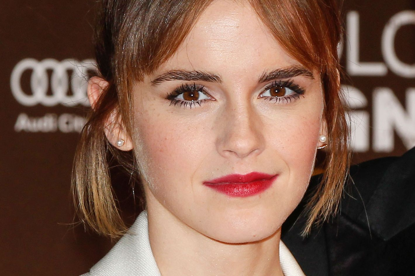 emma watson reportedly told website to take down racy pics