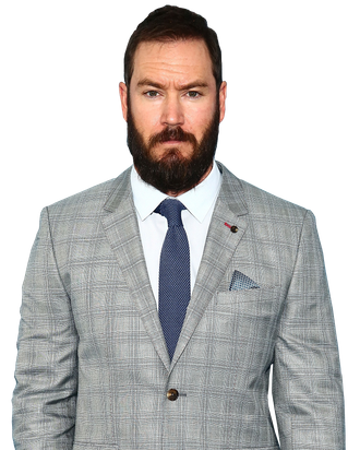 Mark Paul Gosselaar On Pitch Eating Over 3 000 Calories A Day And Growing A Beard