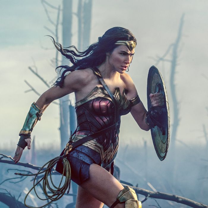 Wonder Woman Movie Review A Star Turn For Gal Gadot