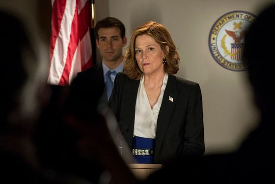 POLITICAL ANIMALS -- Pilot -- Pictured: (l-r) James Wolk as Doug Hammond, Sigourney Weaver as Elaine Barrish -- (Photo by: David Giesbrecht/USA Network)