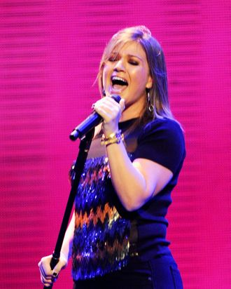 LAS VEGAS, NV - SEPTEMBER 23: Singer Kelly Clarkson performs onstage at the iHeartRadio Music Festival held at the MGM Grand Garden Arena on September 23, 2011 in Las Vegas, Nevada. (Photo by Ethan Miller/Getty Images for Clear Channel)
