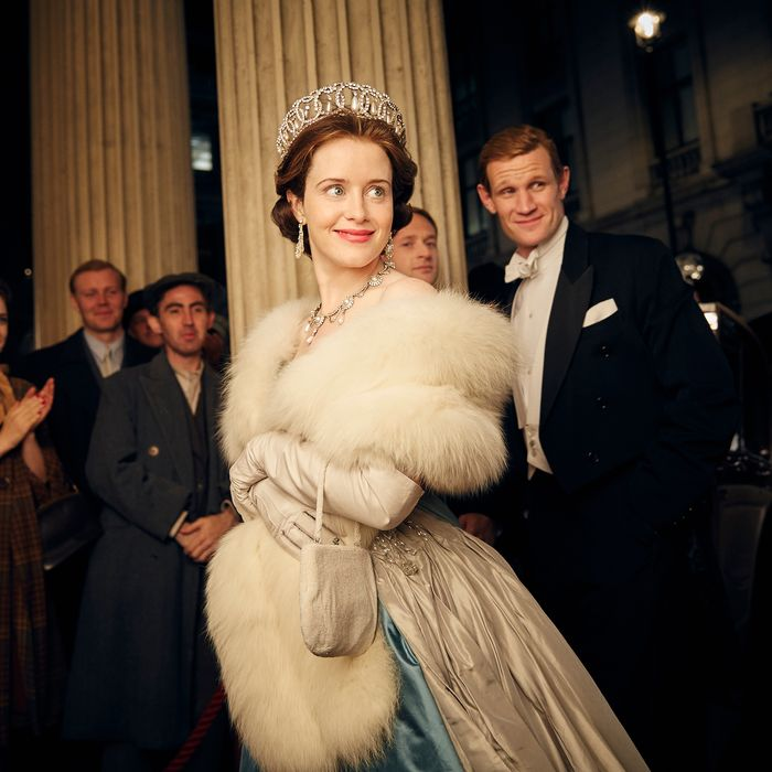 Claire Foy as Elizabeth, Matt Smith as Philip.