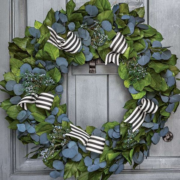 Madison Avenue Wreath