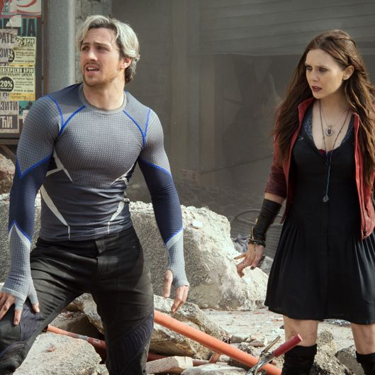 Marvel's Avengers: Age Of Ultron  Quicksilver/Pietro Maximoff (Aaron Taylor-Johnson) and Scarlet Witch/Wanda Maximoff (Elizabeth Olsen)  Ph: Jay Maidment  ?Marvel 2015