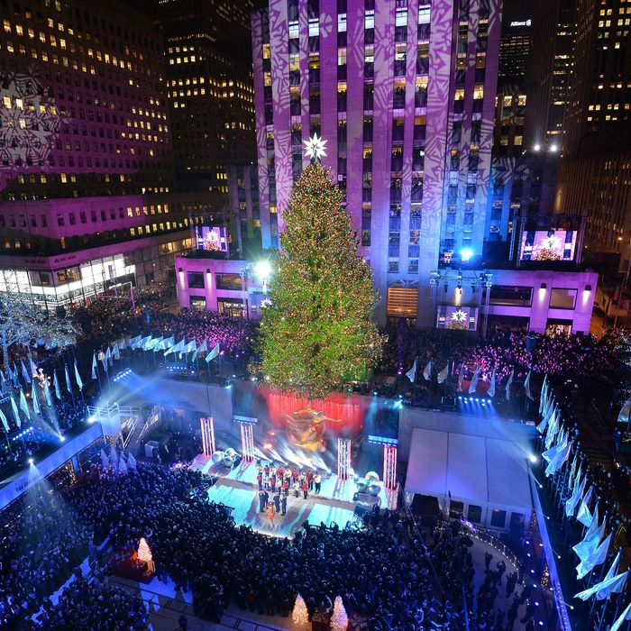 Lighting Of The Rockefeller Christmas Tree 2014: Where To See Holiday Lights In NYC