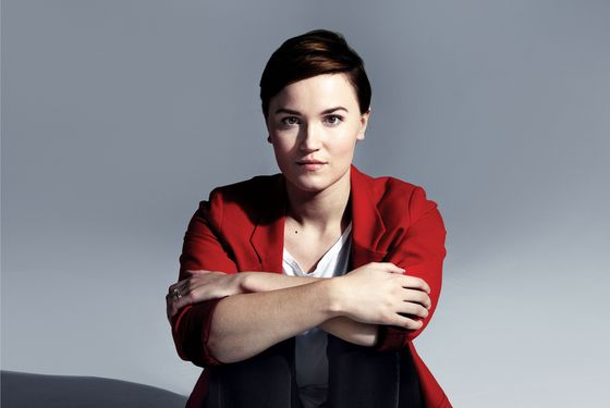Chasing Katniss: Divergent Author Veronica Roth Builds Her Dystopian Empire