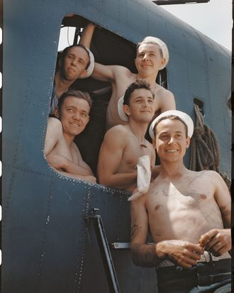10 Photos of World War II Soldiers in the Buff -- NYMag