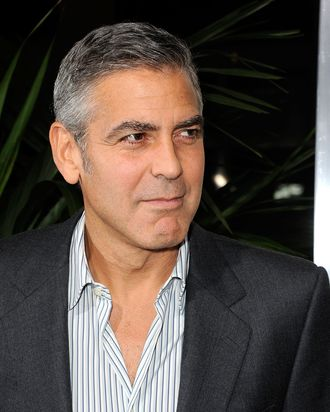 BEVERLY HILLS, CA - NOVEMBER 15: Actor George Clooney arrives at the Premiere Of Fox Searchlight's