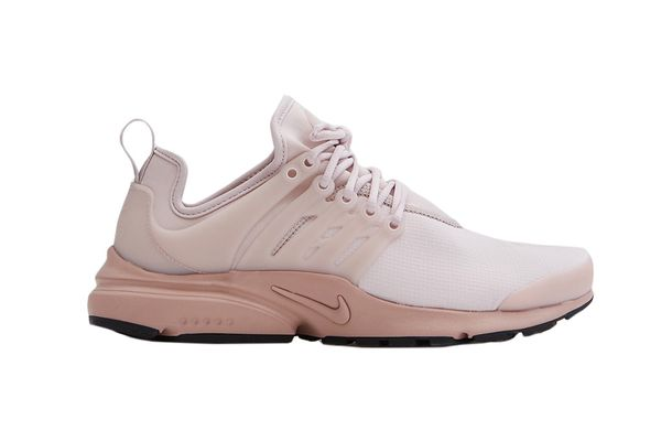 Nike Air Presto SE in Silt Red/Particle Pink