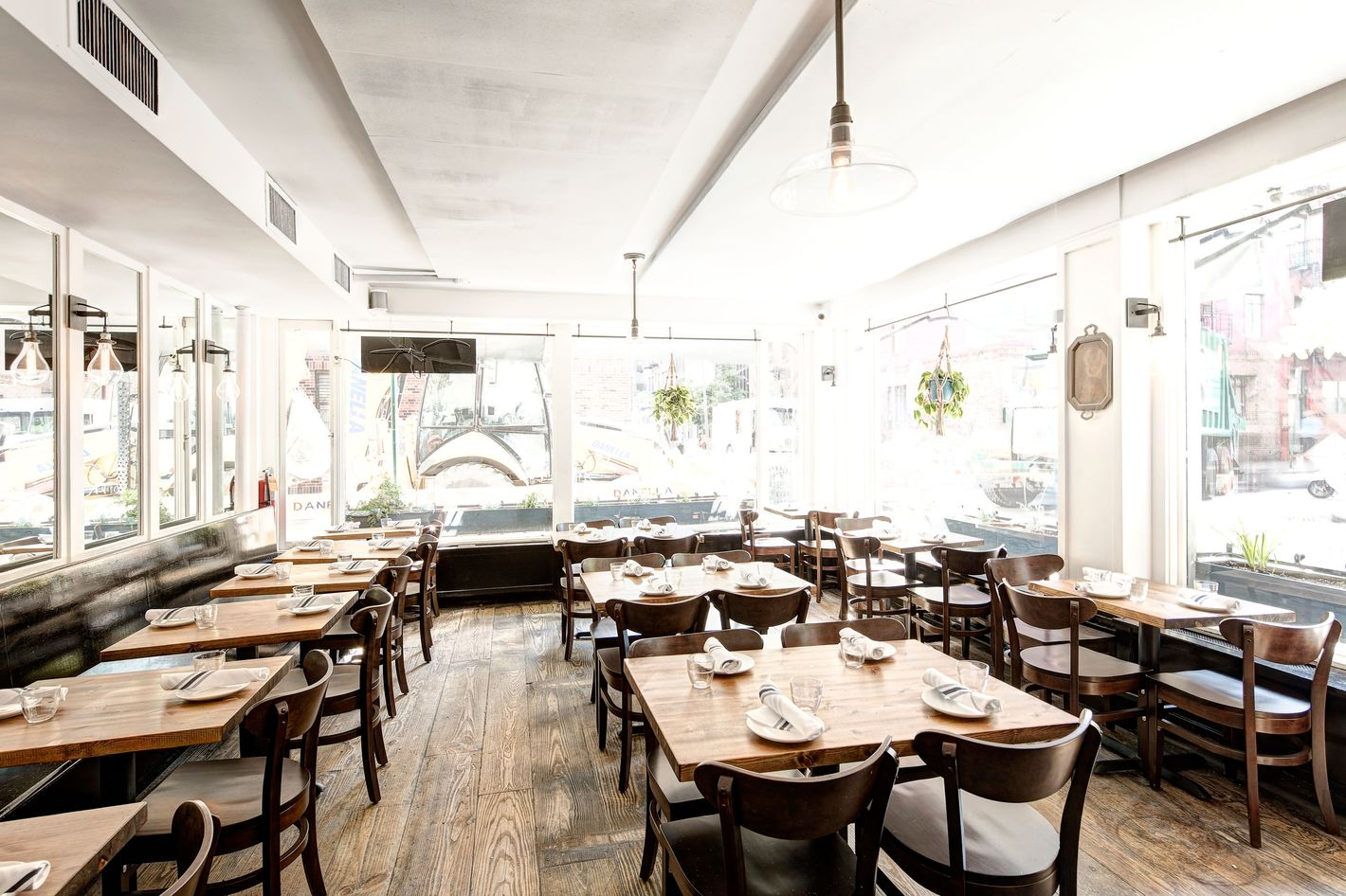 Pizza-Sensation Emily Opens in the West Village