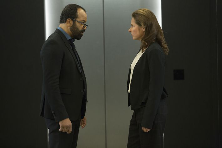 Jeffrey Wright as Bernard, Sidse Babett Knudsen as Theresa.