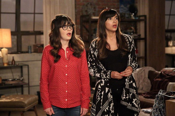 "NEW GIRL: L-R: Zooey Deschanel and Hannah Simone in the ""A Chill Day In"" episode of NEW GIRL airing Tuesday, April 26 (9:00-9:30 PM ET/PT) on FOX. ©2016 Fox Broadcasting Co. Cr: Adam Taylor/FOX"