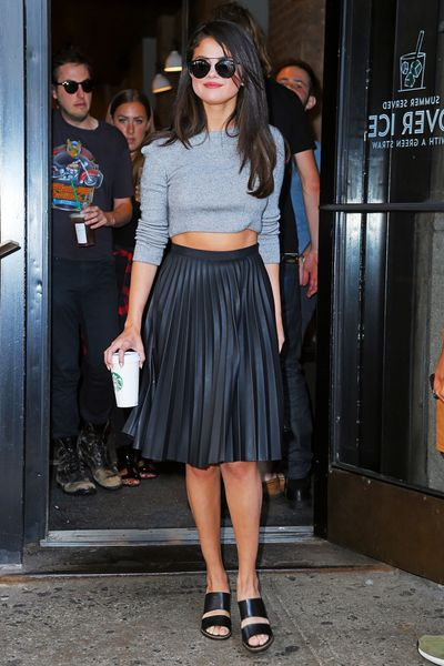 Selena Gomez Eats at Beauty & Essex; Bruno Mars Sings Along to the Music at Antica Pesa