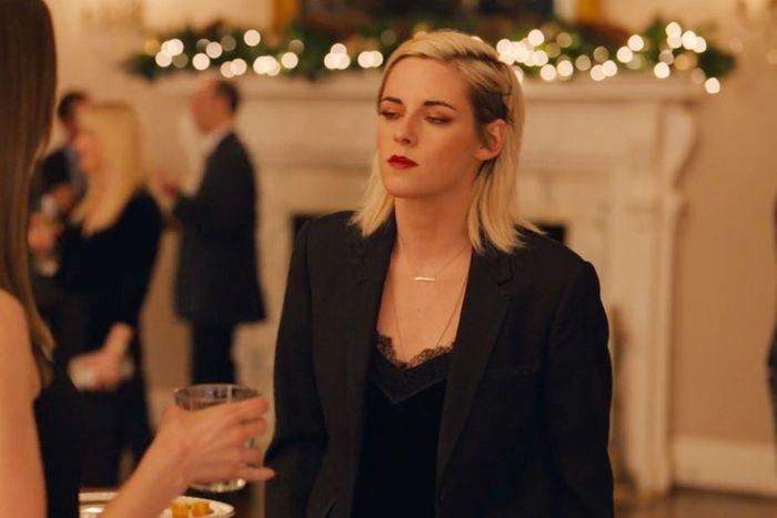 I Love Kristen Stewart's Christmas Looks in Happiest Season