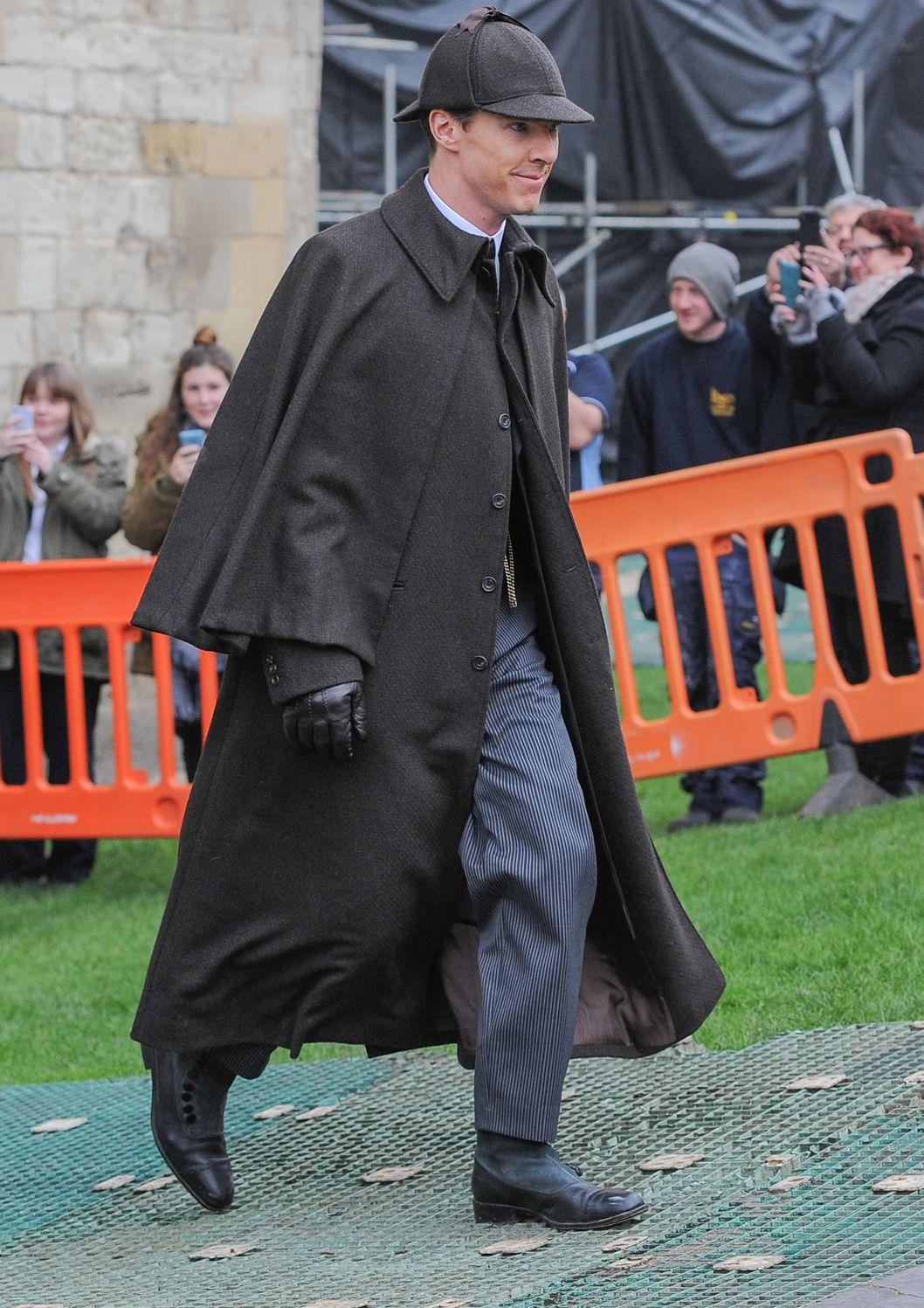 Cumberbatch Dresses Li...