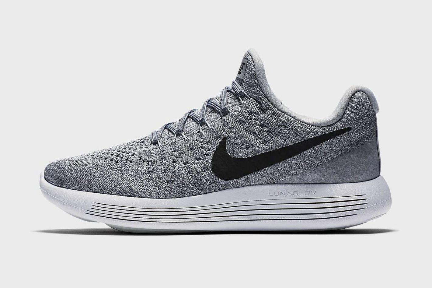 buy popular 7c7b4 86fd1 Nike LunarEpic Low Flyknit 2 Women s Running Shoe at Spring