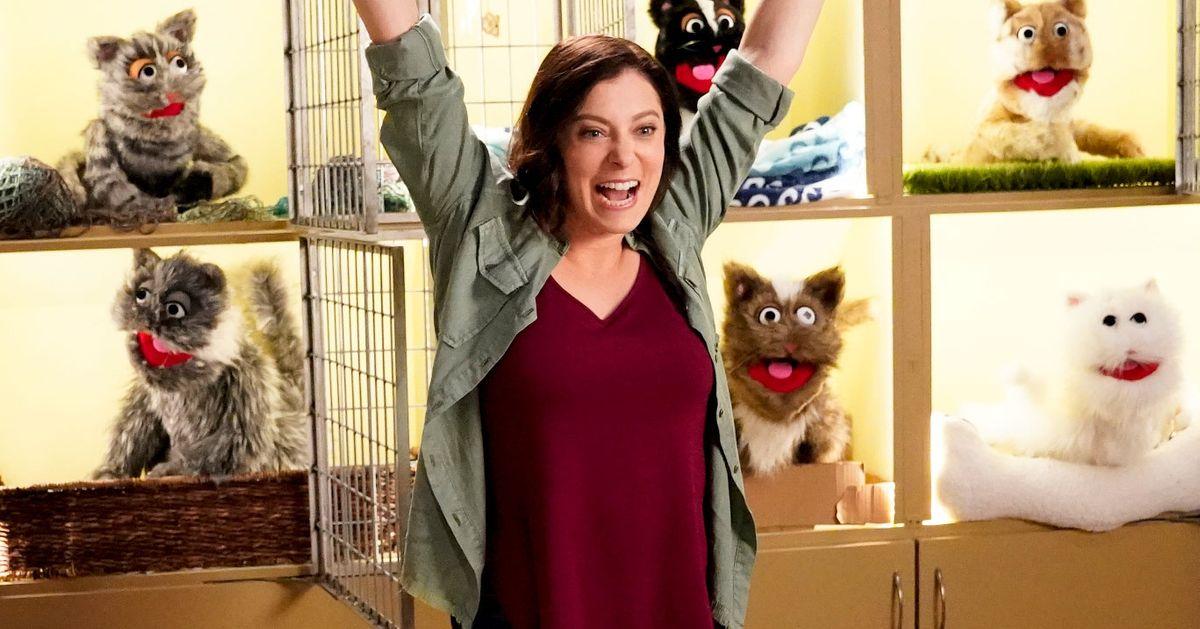 Crazy Ex-Girlfriend: Rachel Bloom Explains Season 3 Songs