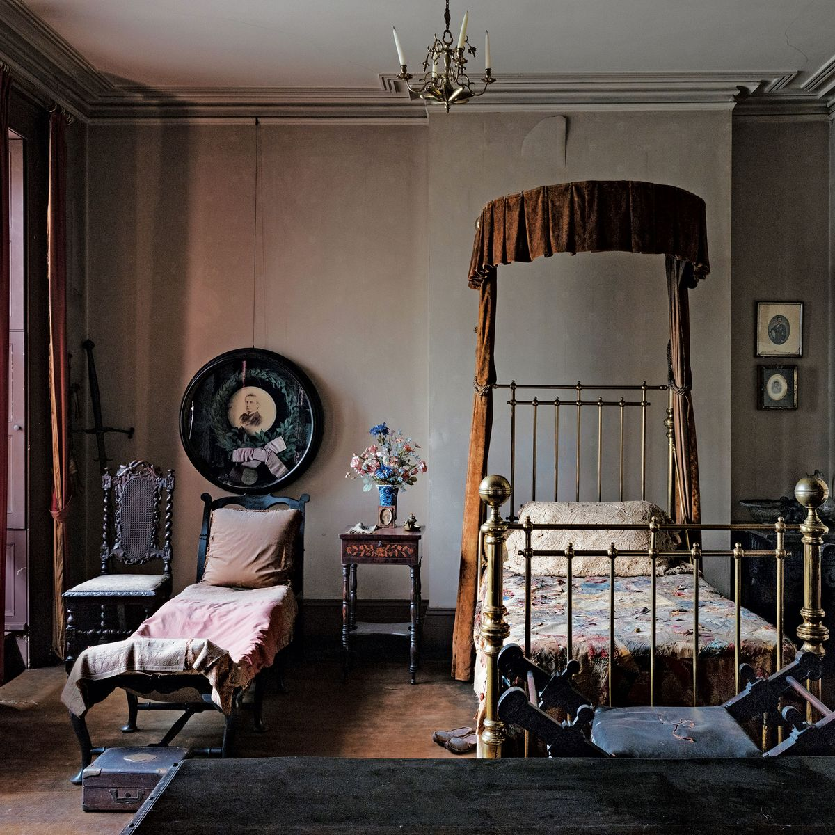 A Gilded Age Bedroom That Still Smells Like 1893