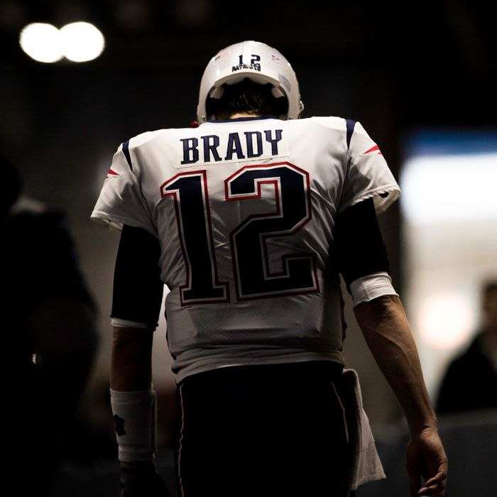 Why Tom Brady s Decline Sucks Even for Tom Brady Haters 9b81153fa