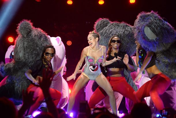 Miley Cyrus performs during the 2013 MTV Video Music Awards at the Barclays Center on August 25, 2013 in the Brooklyn borough o