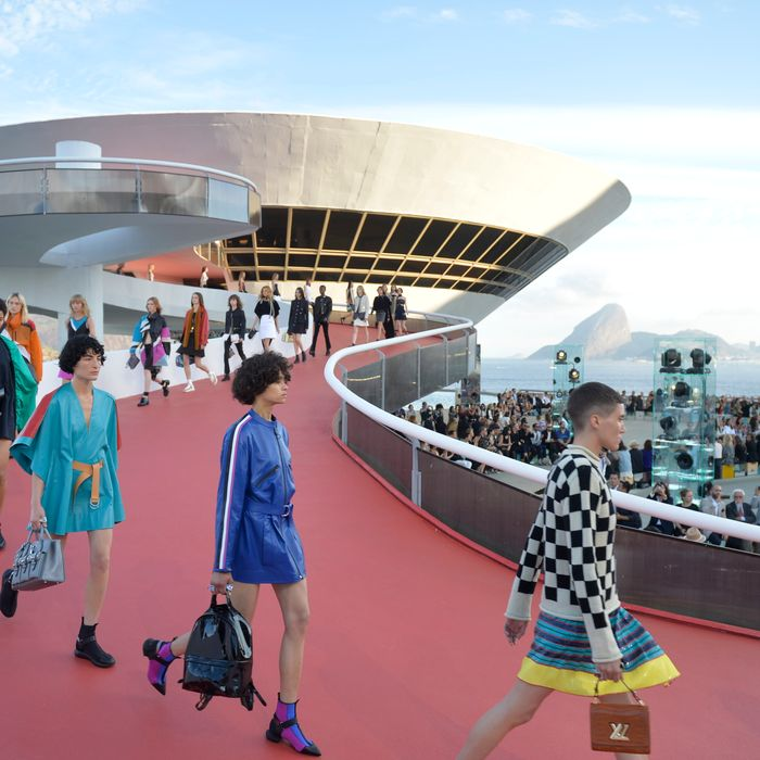 9159c092e3b26 Everything You Need to Know About Today s Louis Vuitton Cruise Show