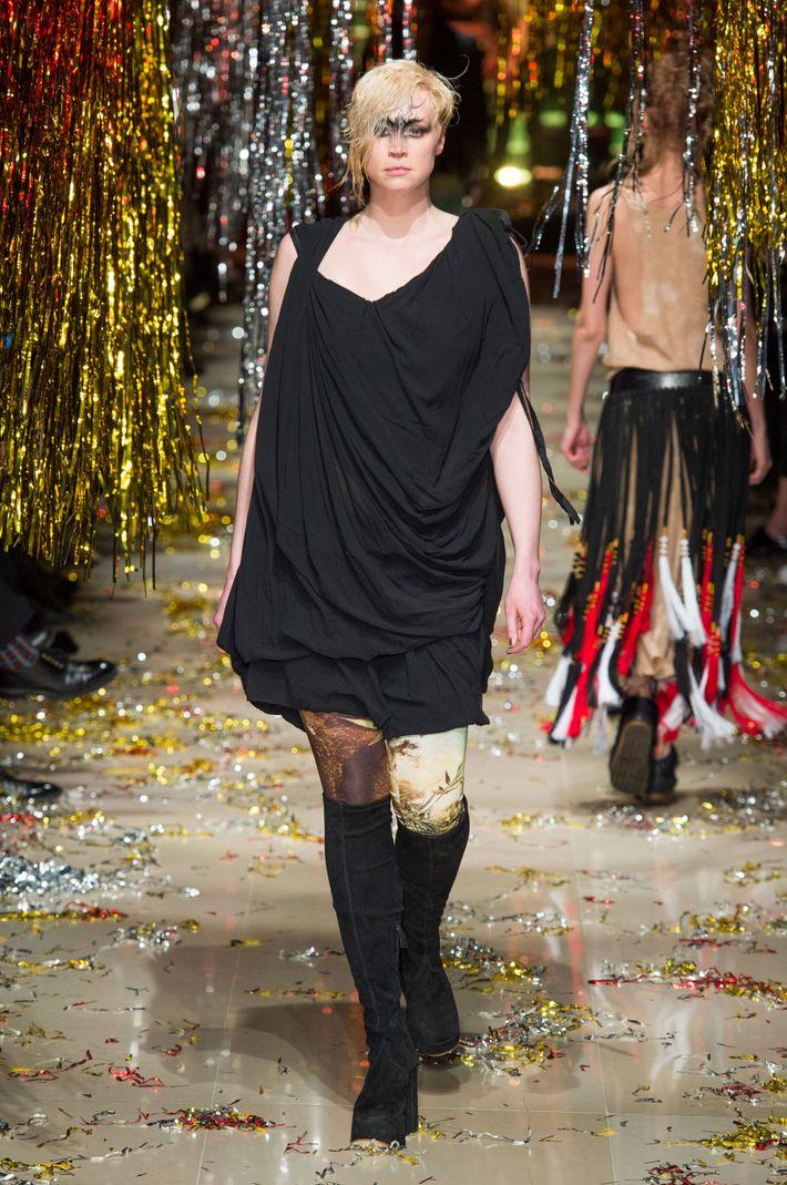Game Of Thrones S Gwendoline Christie Walks The Paris Runway