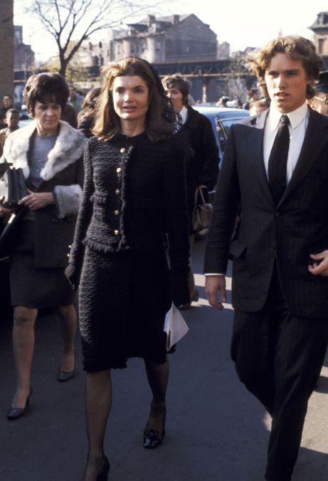 Photo 100 from November 7, 1970