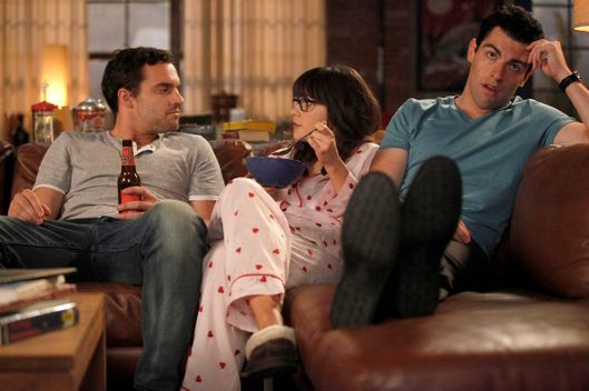 "NEW GIRL:  Jess (Zooey Deschanel, C) joins Nick (Jake Johnson, L) and Schmidt (Max Greenfield, R) during their guy time in the ""Naked"" episode of NEW GIRL airing Tuesday, Nov. 1 (9:00-9:30 PM ET/PT) on FOX.©2011 Fox Broadcasting Co.  Cr:  Greg Gayne/FOX"