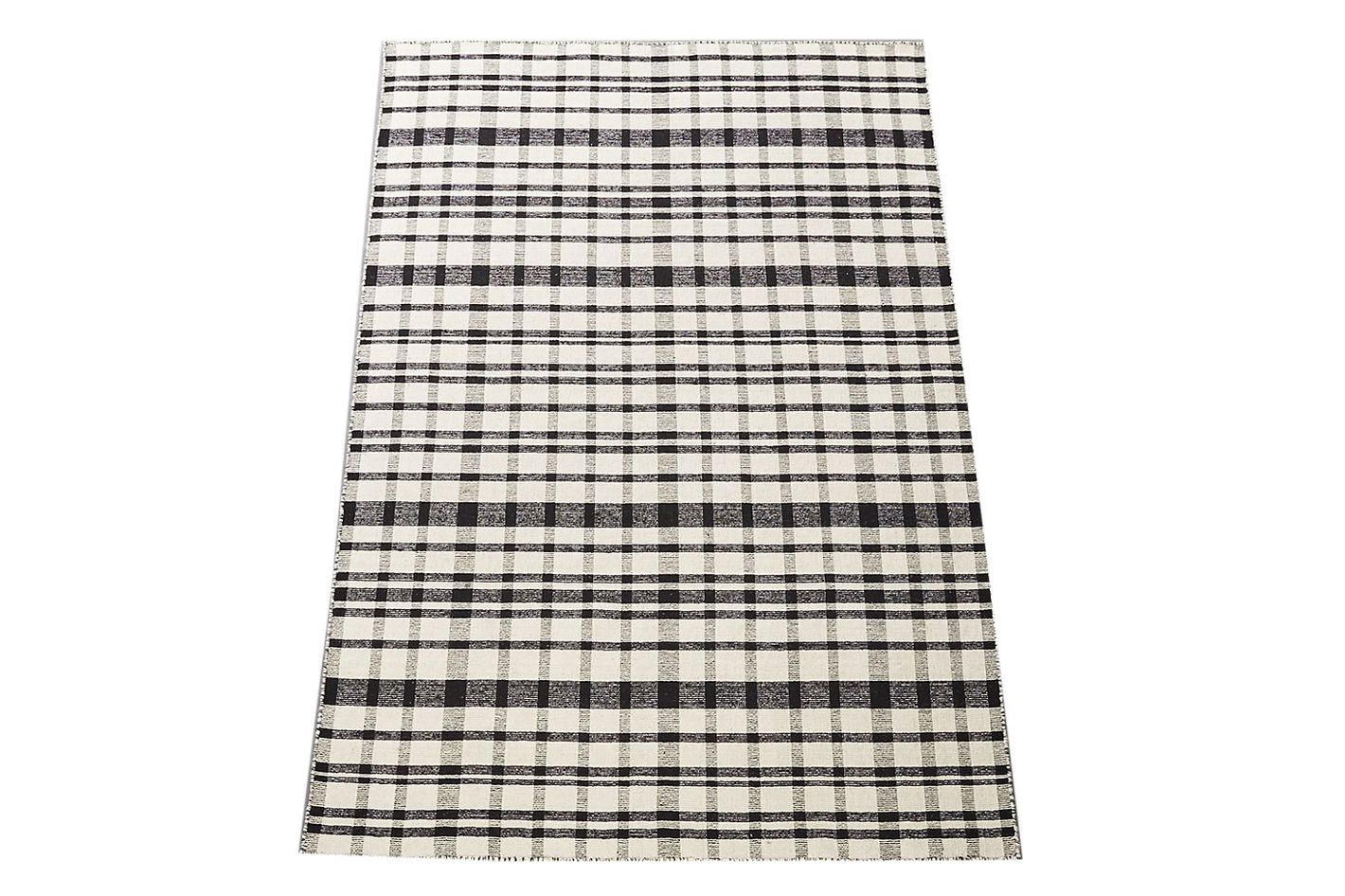 Black and white check rug 5' x 8'