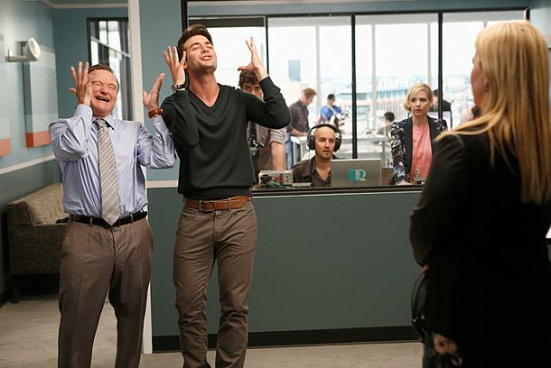 """Pilot"" --Simon Roberts (Robin Williams, left) and Zach Cropper (James Wolk, right) must pull out all the stops and convince Grammy Award-winner Kelly Clarkson to record a new twist on a classic advertising jingle for their biggest client on the series premiere of THE CRAZY ONES, Thurs. Sept. 26 (9:00 – 9:30 PM, ET/PT) on the CBS Television Network. Photo: Cliff Lipson/CBS © 2013 CBS Broadcasting, Inc. All Rights Reserved."
