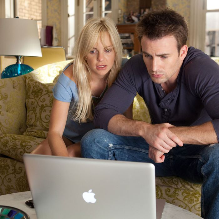Anna Faris and Chris Evans in <em>What's Your Number?</em>