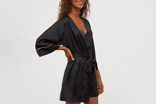 H&M Satin Kimono in Black
