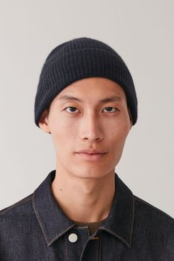 COS Knitted Cashmere Hat