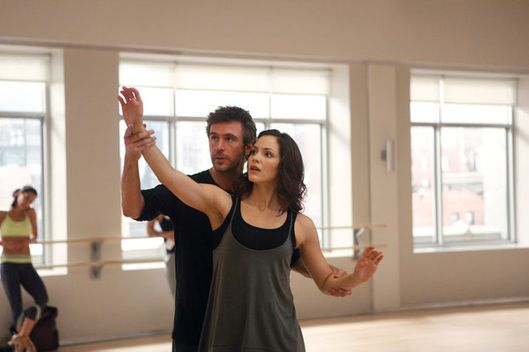 "SMASH -- ""Callbacks"" Episode 102 -- Pictured: (l-r) Jack Davenport as Derek Wills, Katharine McPhee as Karen Cartwright -- Photo by: Patrick Harbron/NBC"