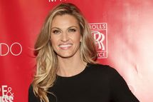 NEW YORK, NY - JANUARY 31:  Erin Andrews attends the Super Bowl XLVIII Party Hosted By Shape And Men's Fitness at Cipriani 42nd Street on January 31, 2014 in New York City.  (Photo by Mireya Acierto/Getty Images)