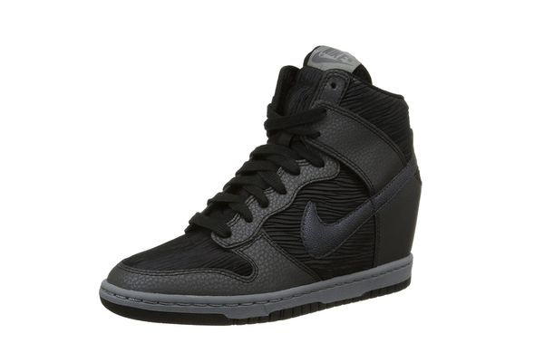 Nike Women's Dunk Sky Hi Casual Shoe
