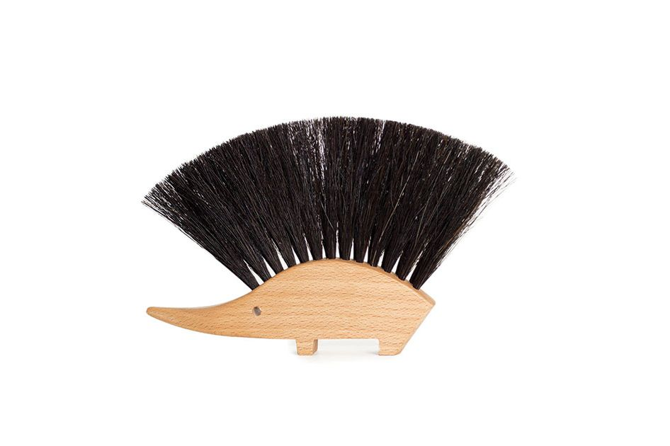 Beechwood Hedgehog Tabletop Brush