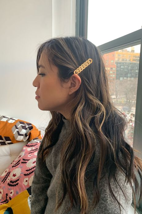 579e98704 How to Style Hair Clips, Bows, and Barrettes 2019