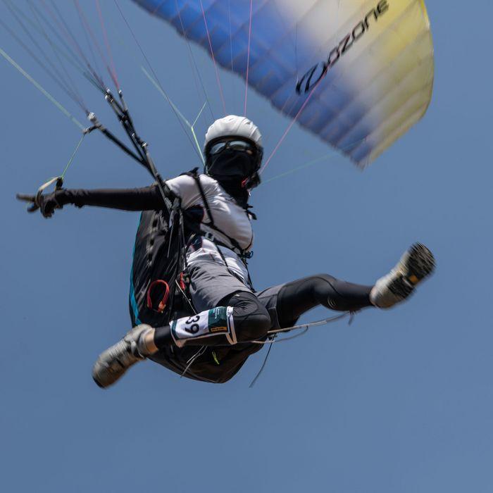 Rude Paraglider Terrorizes English Seaside Town
