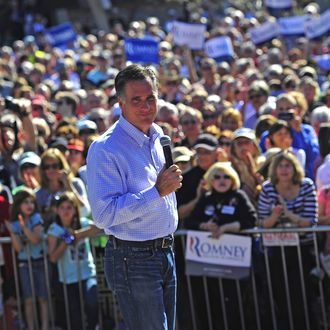 Republican presidential hopeful Mitt Romney holds a campaign rally at Pioneer Park in Dunedin, Florida, January 30, 2012. Florida will hold its Republican primary on January 31, 2012.