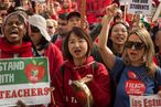Los Angeles Teachers Go on Strike in Echo of National Fight
