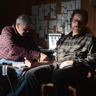 Ed (Robert Forster) and Walter White (Bryan Cranston) - Breaking Bad _ Season 5, Episode 15 - Photo Credit: Ursula Coyote/AMC
