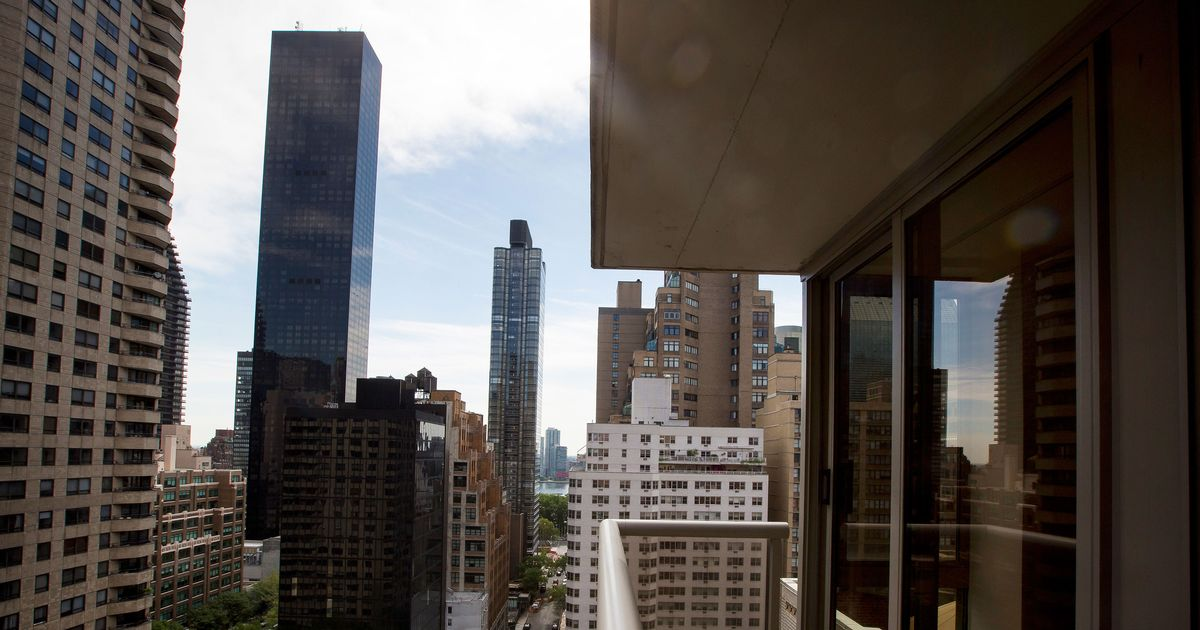 There are plenty of people who want to buy manhattan real for Buy apartment in manhattan