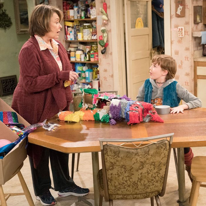 Roseanne Recap Season 10 Episode 6 No Country For Old Women