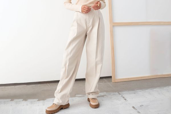 Relaxed High Rise Pleat Jeans
