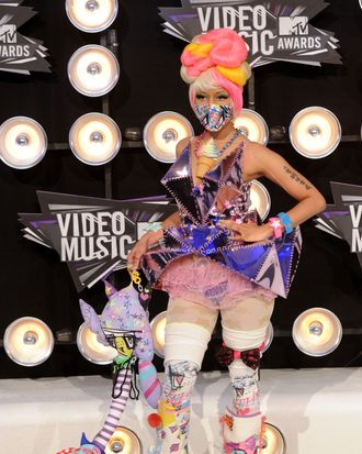 LOS ANGELES, CA - AUGUST 28: Singer Nicki Minaj arrives at the 2011 MTV Video Music Awards at Nokia Theatre L.A. LIVE on August 28, 2011 in Los Angeles, California. (Photo by Jason Merritt/Getty Images)