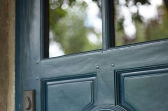Is it the French Laundry's iconic blue door?